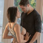 babes_pics_peta_jensen_morning_glory_1